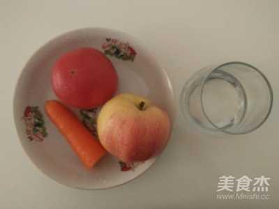排毒养颜——胡萝卜番茄苹果汁的做法 胡萝卜苹果番茄汁