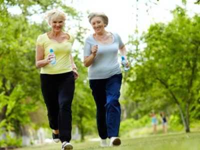 中老年人做哪些运动对健康有益 适合中年人的健康运动