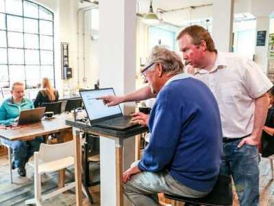 如何用15分钟把一名86岁老人训练成白帽黑客 如何教老年人上网