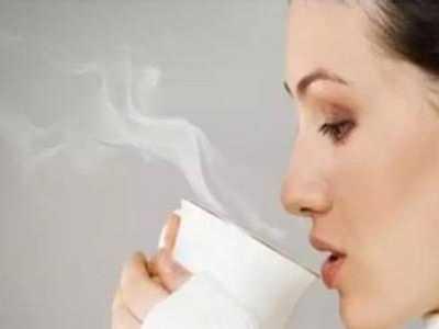 到底是喝凉水好还是喝热水好 到底喝什幺水最好