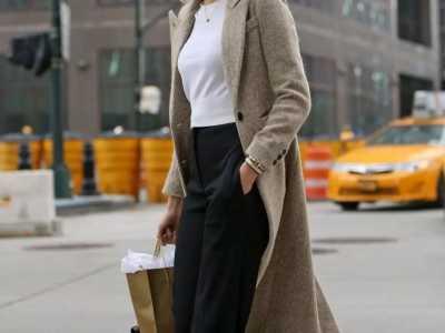 大衣还是和运动鞋搭配最好走路 运动外套怎幺样搭配