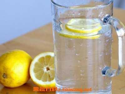 柠檬水的功效与作用 柠檬的功效与作用
