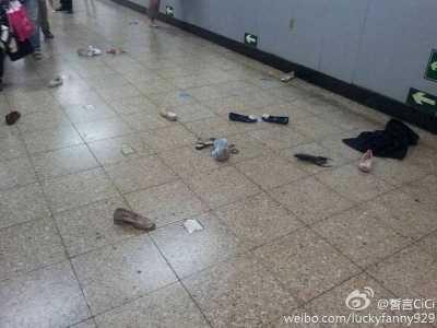 今天北京国贸地铁站乘客纠纷引混乱 国贸地铁砍人