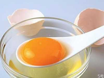 蛋清蜂蜜面膜的功效 蛋清与蜂蜜敷脸的作用