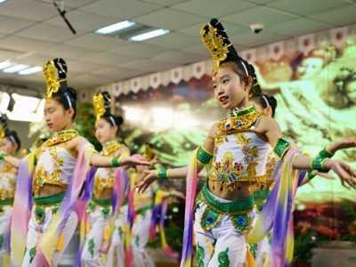 中华神话故事为何受孩子欢迎 民间故事抢孩子